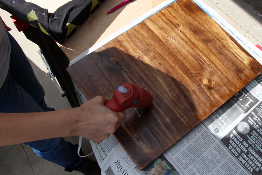 Geeky gifts for guys: Lap Desk DIY (nerd home decor)