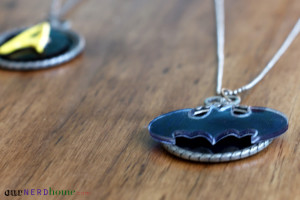 Geek Gifts: DIY Batman Jewelry / Geeky Jewelry