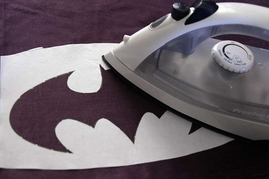 Geek Home Decor: Batman Pillow Stencil