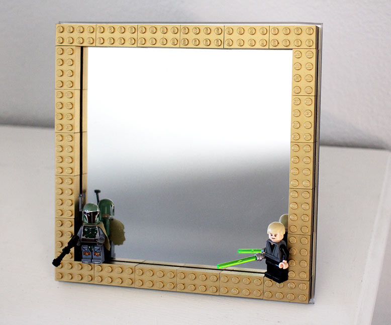Geek Decor: DIY LEGO Frame - Spray Painted Gold LEGO's