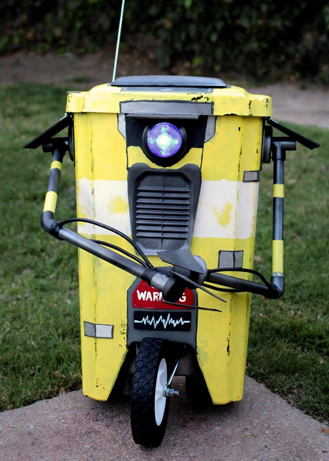 Borderlands DIY Claptrap Trashbin