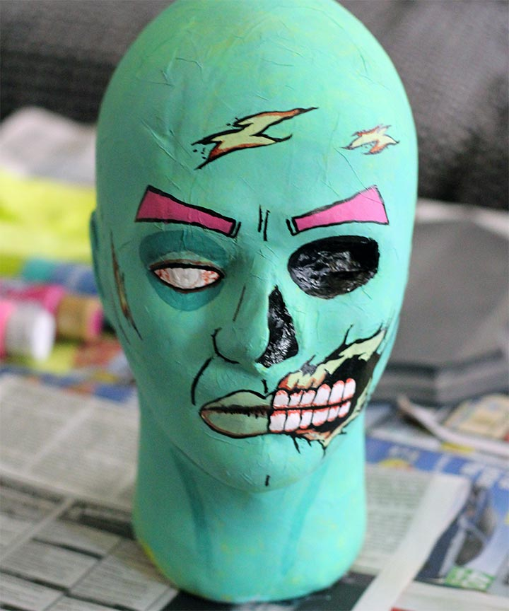 DIY Zombie Head Plaque for Walking Dead party