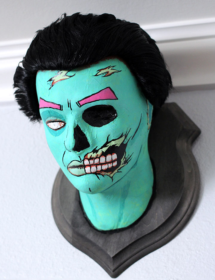 DIY Wall Mounted Zombie Head Plaque