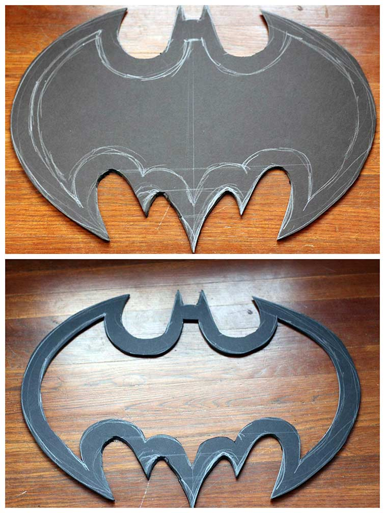 DIY Batman Wreath tutorial