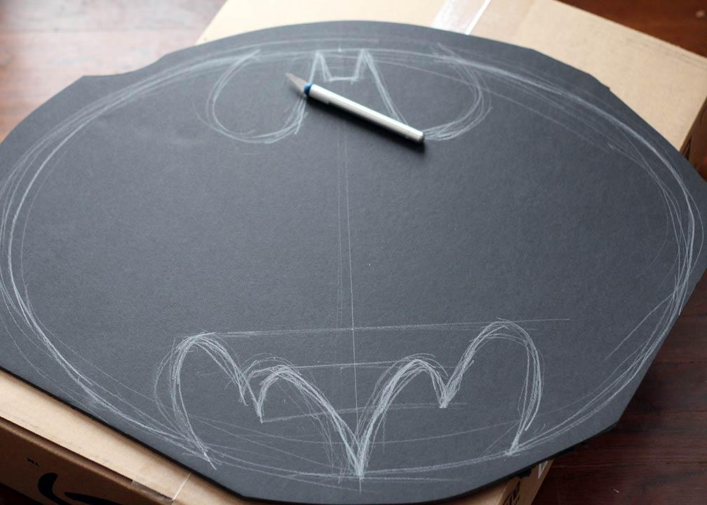 DIY Batman Wreath tutorial