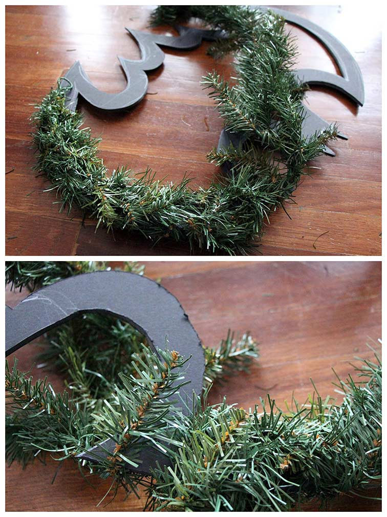 DIY Batman Wreath / Batman Christmas Wreath