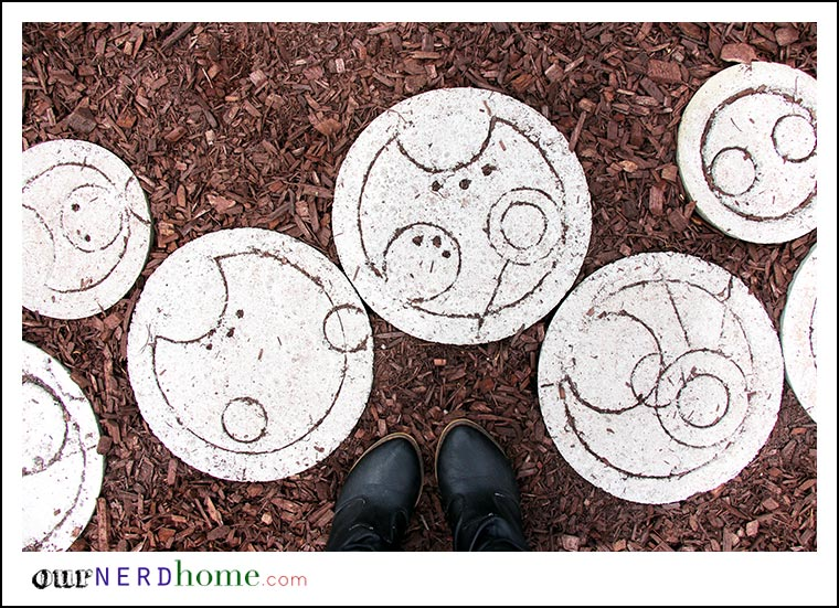 DIY Doctor Who Step Stones - Our Nerd Home