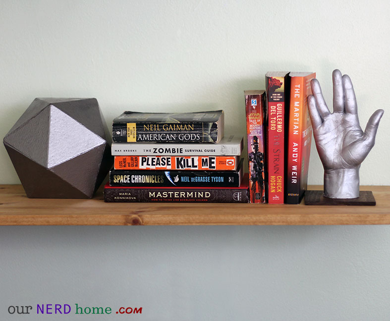 DIY Geek bookends - Star Trek and D20